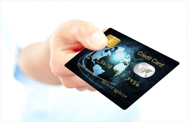 家族のカードや旧姓のカードは利用する事が出来ないのか?